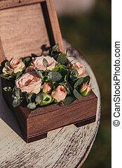 cofanetto, con, fiori, om, il, tavola