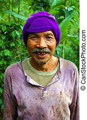 Coffee grower farmer, Kiadan Pelaga, Bali, Indonesia.
