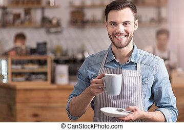 coffee., kop, positief, vasthouden, glimlachende mens