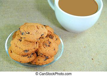 coffee with chocolate cookies