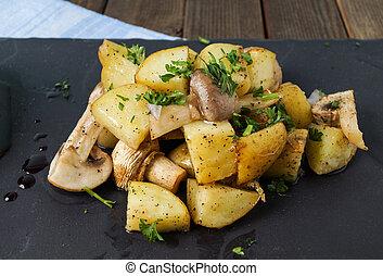 cogumelos, batatas, assado