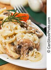 cogumelos, funghetti, champignon, macarronada, italiano