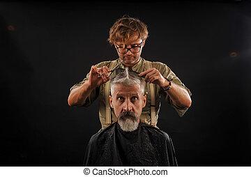 coiffeur, coupures, sombre, studio, fond, citoyen, personne agee, barbe