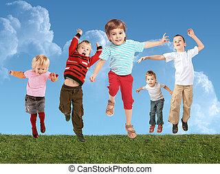 colagem, muitos, pular, capim, crianças