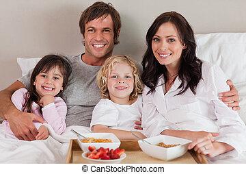 colazione, felice, detenere, insieme, famiglia