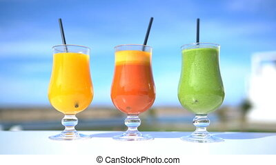 Cold pressed fruit juices and green smoothie detox - healthy...