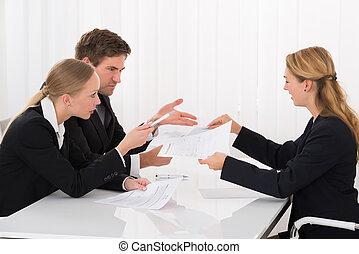colega, actuación, documento, businesspeople