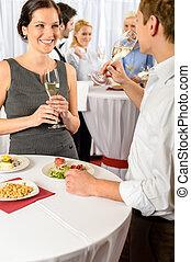 colegas, negócio, bebida, dois, champanhe, reunião