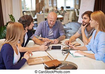 colegas trabalho, em, reunião