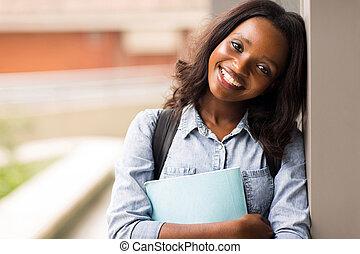 collège, étudiant féminin