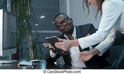 collègue, afro-américain, sien, satisfait, patron, métier, asiatique
