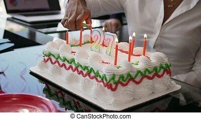 collègue, bureau, professionnels, 1, célébrer, fêtede l'anniversaire