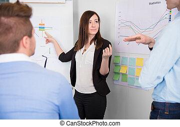 collègue, cha, pointage, communiquer, femme affaires, quoique