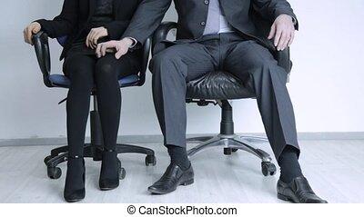 collègue, concept, jambe, bureau., abus, toucher, femme,...