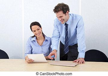 collègues affaires, femme souriant, appareil-photo