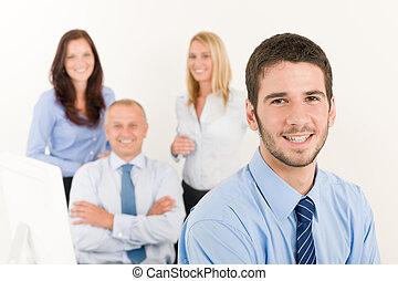 collègues, business, jeune, directeur, équipe, heureux