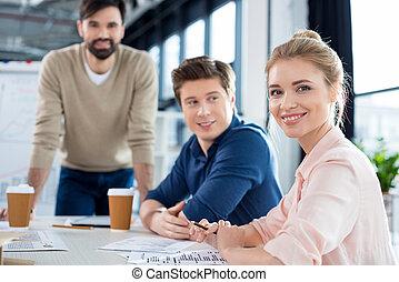 Collègues,  Business, séance, femme affaires,  table, Sourire, réunion