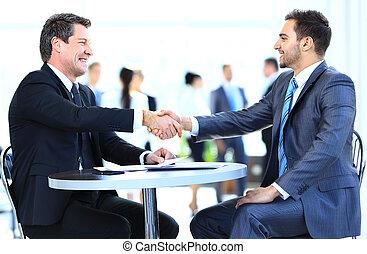 Collègues,  Business, séance, réunion,  table, deux, mains, pendant,  mâle, secousse, cadres
