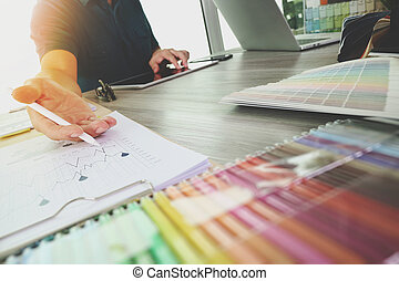 collègues, diagramme, matériel, intérieur, informatique, bois, numérique, concepteur, échantillon, ordinateur portable, discuter, conception, données, tablette, concept, bureau, deux