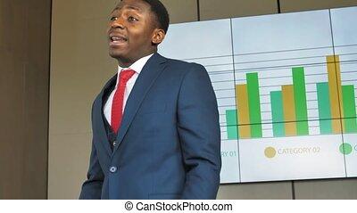 collègues, lent, african-american, donner, idées, mouvement, homme affaires, nouveau