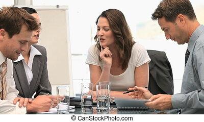 collègues, pendant, rire, réunion, ensemble