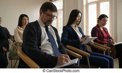 collègues, réunion, multiethnic, equipe affaires