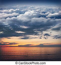 collage:, océan, coucher soleil, ciel, nuages, stratosphère,...
