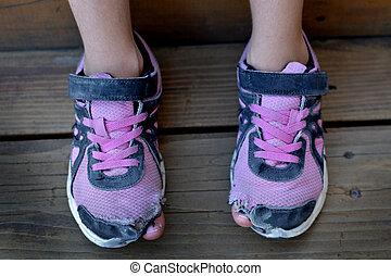 collage, orteils, chaussures, trous, porté, personne, par, sdf