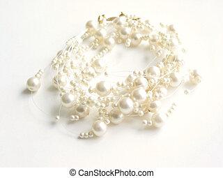 collar, perla, key), (high