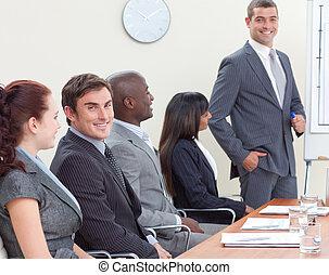 collega, vergadering, businessteam, het luisteren