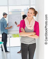 collega's, achtergrond, kantoor, kunstenaar, vrouwlijk, ongedwongen