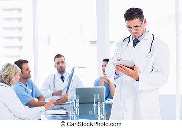 collega's, tablet, arts, digitale , gebruik, vergadering
