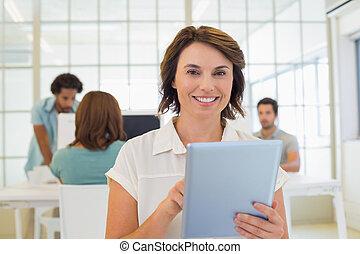 collega's, tablet, businesswoman, digitale , gebruik, vergadering