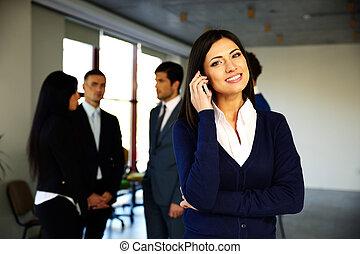 collega's, telefoon, businesswoman, klesten, achtergrond, vrolijke