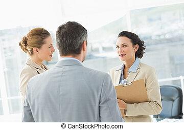 colleghi, ufficio, affari, discussione