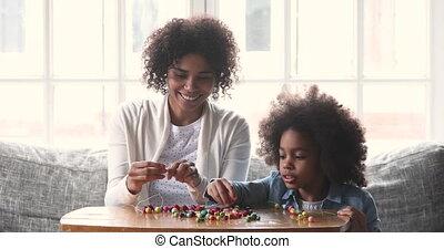 collier, course, mélangé, baby-sitter, maman, fille, gosse, ...