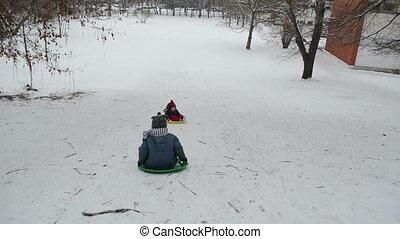 colline, jeu, hiver, enfants