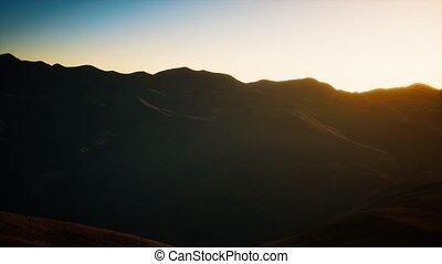 collines, coucher soleil, rochers
