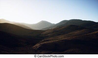 collines, rochers, coucher soleil