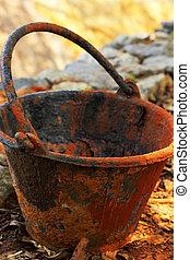colocado, ground., construção, balde, plástico