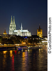 Cologne Cathedral (Dom) at night