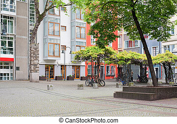 Cologne small yard