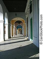 Colonade Plaza Vieja Havana