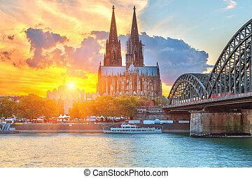 Colonia, tramonto