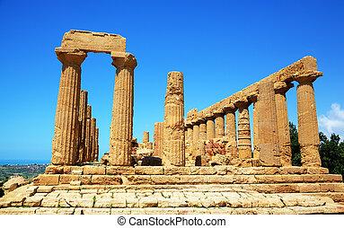Colonnade of Hera (Juno) temple in Agrigento. Sicily, Italy...