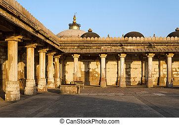 colonnaded, di, storico, tomba, di, mehmud, begada, sultano, di, gujarat