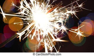 coloré, arbre brûlant, lumières, bokeh, fond, sparkler, noël