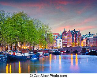 coloré, coucher soleil, canaux, amsterdam., printemps