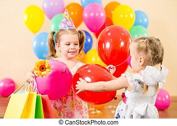coloré, dons, anniversaire, joli, fête, ballons, enfants