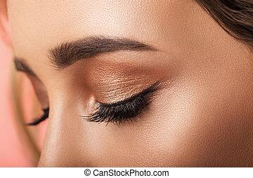 coloré, examiner maquillage, closeup.
